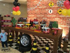Moto bike images are available on our web pages. Baptism Themes, Festa Hot Wheels, Motorcycle Party, Cars Birthday Parties, Birthday Cake, Car Themes, Moto Bike, Motorcycles, Vintage Car Party