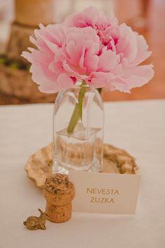 FlorDeLuxe ❤️ Svadobné výzdoby, kvety a tlačoviny   Mojasvadba.sk Place Cards, Place Card Holders, Table Decorations, The Originals, Diy, Wedding, Home Decor, Valentines Day Weddings, Decoration Home