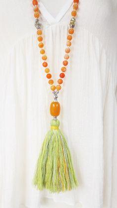 Ketten lang - Mala Bettelkette Quaste Achate Orange Grün - ein Designerstück von weibsbild bei DaWanda