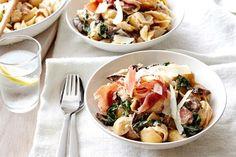 Quick creamy mushroom and pancetta pasta. Crispy pancetta is the secret ingredient to this speedy and oh so creamy mushroom pasta dish. Creamy Mushroom Pasta, Creamy Mushrooms, Stuffed Mushrooms, Pancetta Pasta, How To Cook Mushrooms, Parmesan Pasta, Stuffed Pasta Shells, Spinach Stuffed Chicken, Mushroom Recipes
