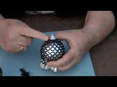 Beaded Bauble, How To ! pt 1. (Adapted from a design by Jill Thomas at gjbeads.) - YouTube