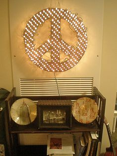 DIY peace sign light. Not crazy about the peace sign, but you could do lots of different things