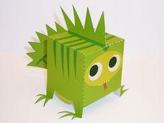 Tween Craft Table: Lizard make & take