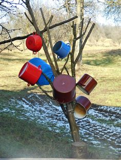 Traditional #Color #Red #Blue #Beauty #Spring Color Red, My Arts, Traditional, Bird, Spring, Outdoor Decor, Beauty, Home Decor, Colour Red