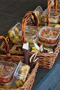 Canasta de comida para picnics...