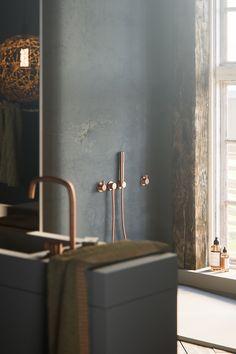 COCOON goes dark! | rustic dark bathroom design | Piet Boon raw copper taps and basins | PB Basin02 grey matte | interior design | dark bathroom bycocoon.com | villa bathroom design | loft bathroom design | Dutch Designer Brand COCOON