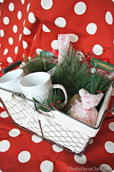 Adorable inexpensive Christmas gifts for under $20! @thriftydecorchick