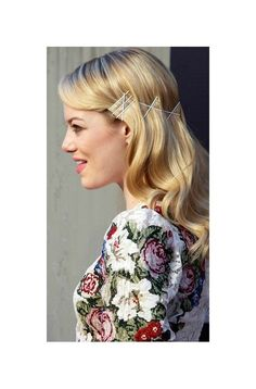 Bobby pins style