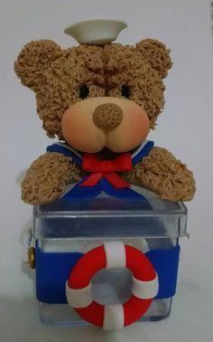 Caixinha de Acrílico Urso Marinheiro  Urso feito em biscuit  caixinha de acrílico nas medidas de 5X5X5 cm  Faço em outros estilos (ursinha rosa, urso com lacinho, ou do jeito que o comprador preferir)