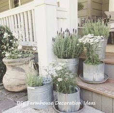 Cottage Garten rustic decoration decorate rustic plant containers garden stairs How To Choose A Pool French Country Farmhouse, French Country Decorating, Farmhouse Design, Farmhouse Style, Rustic Farmhouse, Rustic Style, Country Style, Farmhouse Garden, Farmhouse Landscaping