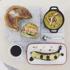 . good morning wednesday :-D))) . #goodmorning #morning #breakfast #yummy #goodfood #instafood #onthetable  #homemade #foodie #foodstagram #igfood #foodphotography #foodphoto #yum #2eat2gether #S_S_iloveBreakfast #朝食 #早餐 #goodmorning #早安 #おはようございます #cooking #baking #烘培 #麵包碗 #S_S_iloveBaking #breadbowl #stuffedbread #パン