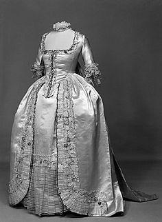 1774-1793 Dress (Robe à la Française).
