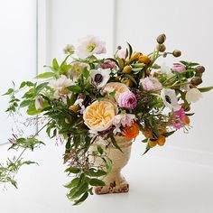My garden arrangement from our Petals and Penmanship workshop captured by Angiecao | Kiana Underwood | tulipina.com