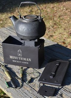 The Minuteman Rocket Stove is a high quality, light weight, portable, wood burning cooking stove. It excels as a survival stove due to sustainability. Survival Food, Survival Skills, Survival Hacks, Emergency Preparedness, Survival Stuff, Camping Survival, Outdoor Survival, Ceramic Insulation, Rocket Stove Design