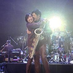 """みな子さんはInstagramを利用しています:「・ 大好きなシーン♡ ・ 脚を体に絡ませて抱きつく52歳☺️💓 ・ 喜びは全身で表現✨ ・ ・ この後""""初めて宮本さんとハグした""""と言う斎藤くんに、 ・ 「あっ、そう❓初めてなんだ。」と、自慢気に話す谷中さん…❤ ・ 「オレなんか、何回もあるゼ!」的な☺️ ・ ほっこり♬ ・…」 Concert, Artist, Instagram, Artists, Concerts"""