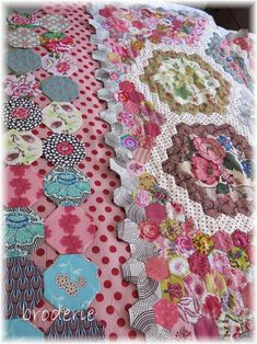 Broderie quilt inspired by Margaret Sampson George - gorgeous!