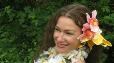 Katrin Lenz is dancer and costum designer for polynesian dances in germany.