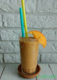 Kiwi Smoothie, Smoothie Recipes, Shake, Toothbrush Holder, Peach, Recipies, Smoothie
