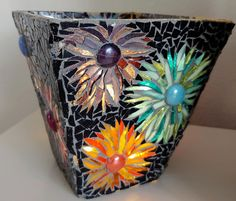 Mosaic Planters, Mosaic Garden Art, Mosaic Vase, Mosaic Tile Art, Mosaic Flower Pots, Mosaics, Mosaic Ideas, Mosaic Projects, Stained Glass Projects