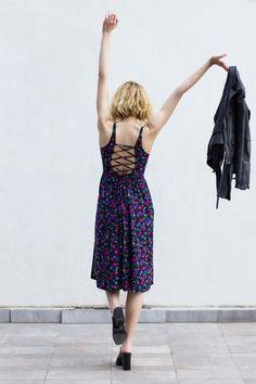 #vintagefinds #floraldresses #springdresses #dresses #reformedclothes #secondhandclothes #barebackdresses
