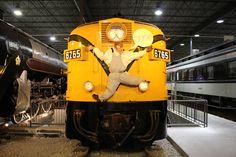 Fantômes ferroviaires / Railway Ghosts #exporail #musée #museum #trains  #familyactivities #Halloween Family Activities, Trains, Halloween, Halloween Labels, Spooky Halloween