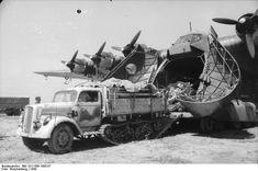 Photos from the Bundesarchiv taken by Luftwaffe kriegsberichter.