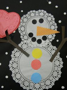 Good morning! It's snowman week! Today I'm going to share a few of the cute projects we've been doing at school. All easy activities...