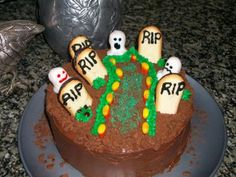 Easy Halloween Cake Ideas | NOTE: I got my Halloween Cake Ideas from the Tombstone Cake on this ...