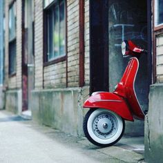 """Driving a Vespa is definitely a whole lot about style,"""" she explained. The Vespa was the very first globally prosperous scooter. A scooter is the finest and a Vespa most stylish means to go around the city. The foldable"""" scooter… Continue Reading → Piaggio Vespa, Scooters Vespa, Lambretta Scooter, Motor Scooters, Scooter Shop, E Scooter, Scooter Girl, Vintage Vespa, Vintage Italy"""