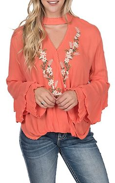 Browse the western fashion tops for women at Cavender's and you'll love what you find. We are the authority on western fashion for women, so visit Cavender's today for all your western needs. Western Outfits, Western Wear, Ladies Western Shirts, Redneck Clothes, Cowgirl Jeans, Women's Shirts, Rock Roll, Shirt Style, Favorite Things