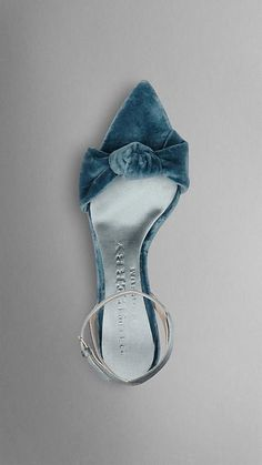 Burberry blue velvet pumps, velvet bow shoes, pointy toe shoes with a bow detail, ankle wrap shoes in blue velvet,
