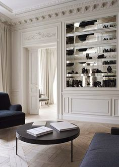 Home Interior Design .Home Interior Design Classic Interior, Modern Interior Design, Interior Architecture, Interior And Exterior, Design Apartment, Parisian Apartment, Home Living, Living Spaces, Living Room
