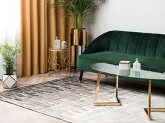 Klassische Form trifft auf den modernen Ombre-Effekt - dieser einzigartige Teppich besitzt einen wunderschönen Farbverlauf, von Beige über Grau, bis hin zu Dunkelbraun. Zudem ist der qualitative Teppich per Hand und aus natürlichem Echtleder gefertigt. Decoration, Modern, Furniture, Home Decor, Motifs, Products, Fur Rug, Dark Brown, Rugs