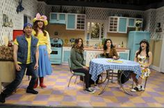 SNL Skit: Bein' Quirky starring Sofia Vergara, Abby Elliot and Kisten Wiig