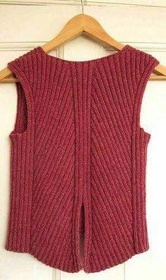 Ravelry: ByAnn's Pisa From the back. Design Else Schjellerup Baby Knitting Patterns, Ladies Cardigan Knitting Patterns, Knit Vest Pattern, Knitting Designs, Hand Knitting, Crochet Slippers, Knit Crochet, Summer Knitting, Knit Fashion