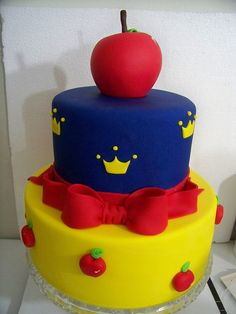 snow white cake: for the little girl in all of us.