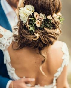 Click the link for more information on beach wedding hair Informations About Click the link for more information on beach wedding hair Pin You c Bridal Hair Updo, Beach Wedding Hair, Bridal Hair And Makeup, Wedding Girl, Bridal Gown, Flower Girl Hairstyles, Boho Hairstyles, Wedding Hairstyles, Girl Hair Dos