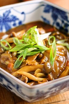 During the hot summer days, sometimes we get a craving for hot and spicy food. Hot and spicy udon makes us sweat a bit, and it helps us to cool down in the heat! Look for frozen or packaged udon nood
