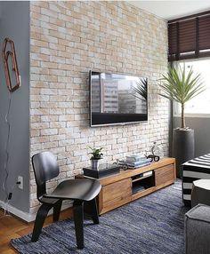 Já posso pirar real•oficial nessa Sala de TV meu povo? Que coisa mais linda! Quero!❤️✨ Foto: @marianaorsifotografia. Projeto: Arq Tips.