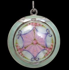 Antique Jewellery » Enamel and Silver Compact circa 1910