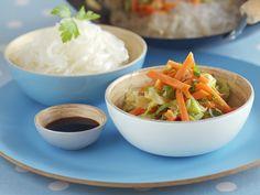 Karottengemüse aus dem Wok mit Glasnudeln - smarter - Zeit: 25 Min. | eatsmarter.de