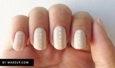 25 llamativos y minimalistas diseños de arte para las uñas