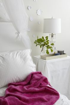 Fun And Cool Teen Bedroom Ideas You Want Steal For Yourself Steal This Look Houseplants In The Bedroom Teen Edition Gardenista pertaining to Fun And Cool Teen Bedroom Ideas You Want Steal For Yourself Grown Up Bedroom, Home Bedroom, Girls Bedroom, Calm Bedroom, Bedroom Ideas, Let's Go To Bed, Cool Bedrooms For Boys, House Rooms, My Dream Home