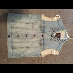 Jean vest Studs, wore once, distressed, good condition Rock & Republic Jackets & Coats Jean Jackets