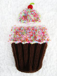 Baby Girl Cocoon Frosted CUPCAKE with Sprinkles Cocoon Set Crochet Newborn Photo Prop
