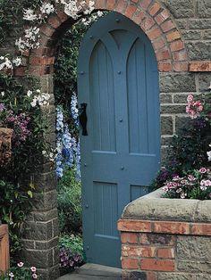 Vintage Secret Garden Door Design Ideas That You Must Ha… – Door Ideas Wooden Garden Gate, Garden Doors, Garden Gates, Garden Entrance, Arched Doors, Sliding Patio Doors, Entrance Doors, Front Doors, Secret Garden Door