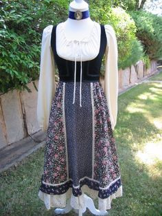 Gunne Sax Dresses!  Oh my!  I had this exact one...early 1970's.