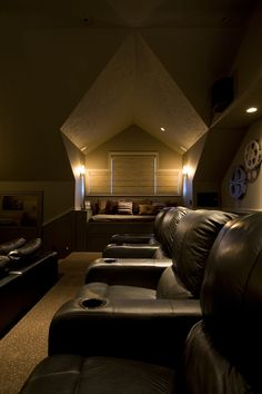 We're totally doing this with our bonus room once th… Bonus Room Theater…nice. We're totally doing this with our bonus room once the girls are done with it! At Home Movie Theater, Home Theater Rooms, Home Theater Design, Comfy Cozy Home, Basement Movie Room, Small Home Offices, Cottage Kitchens, Apartment Plans, Custom Home Designs