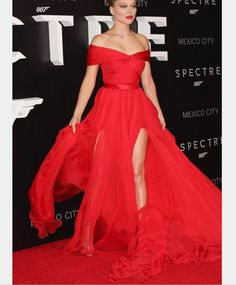 New Simple Red Carpet Long Prom Dress 2017 A Line Pleat Boat Neck Chiffon Slit Formal Party Evening Gown Dresses Vestido