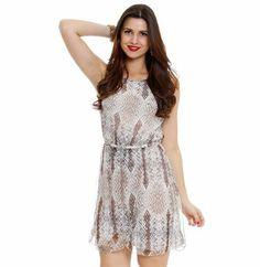 Vestido estampado claro Marisa - http://www.cashola.com.br/blog/moda/vestidos-de-verao-para-todos-os-tipos-de-corpos-402